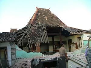 gempa-bumi-jogja